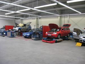 Unser Karosserie.-Bereich besitzt die neusten Technologien, damit ihr Fahrzeug schnell und preiswert instand gesetzt werden kann.