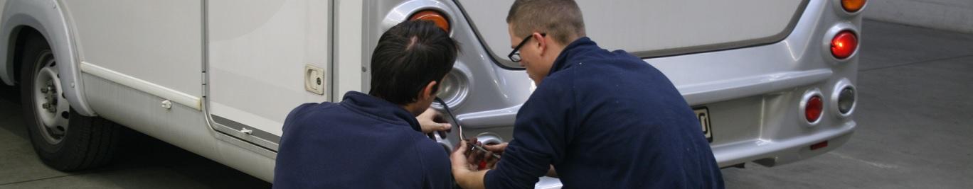 Wir reparieren jegliche Schäden an ihrem Wohnmobil oder Anhänger.