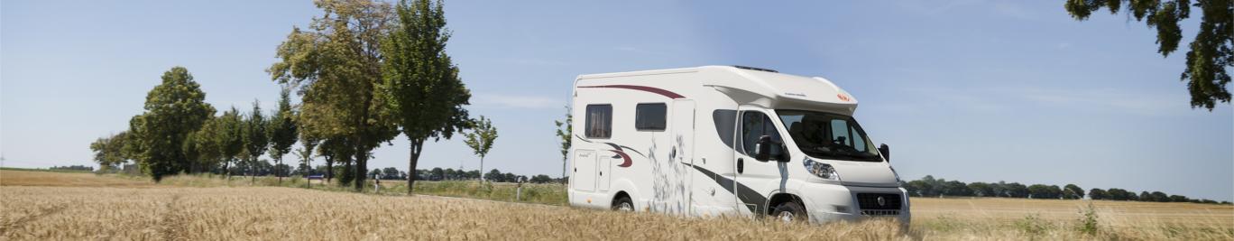 Kaufen Sie ein Wohnmobil oder Anhänger um die Freiheit des Reisens kennenzulernen.